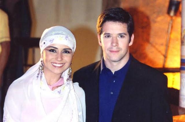Giovanna Antonelli e Murilo Benício em 'O clone' (Foto: TV Globo)