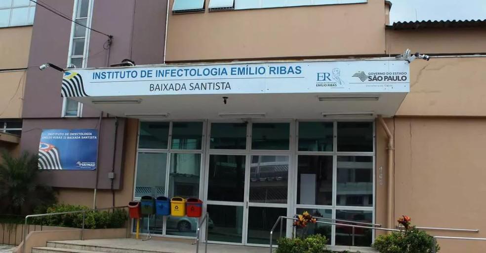Paciente está internado no Instituto de Infectologia Emílio Ribas em Guarujá. — Foto: Carlos Nogueira/AT