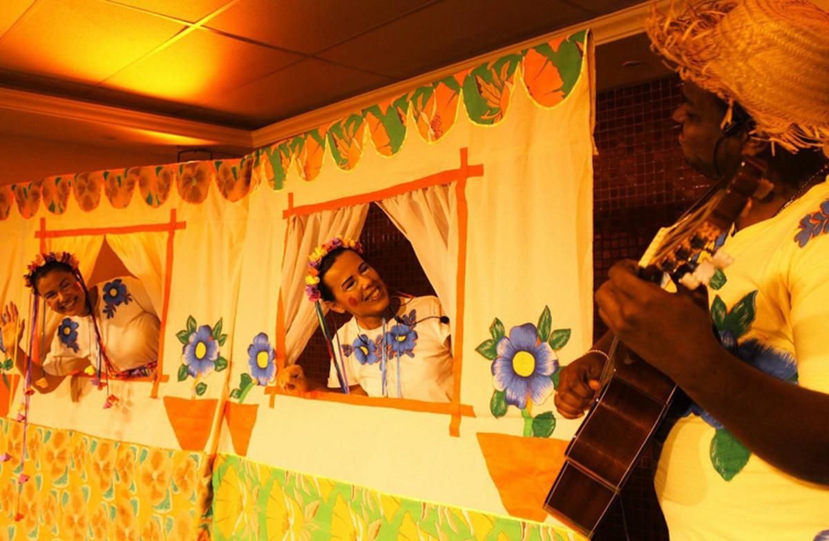 Teatro de Bolso, em Campos, RJ, recebe espetáculo neste domingo
