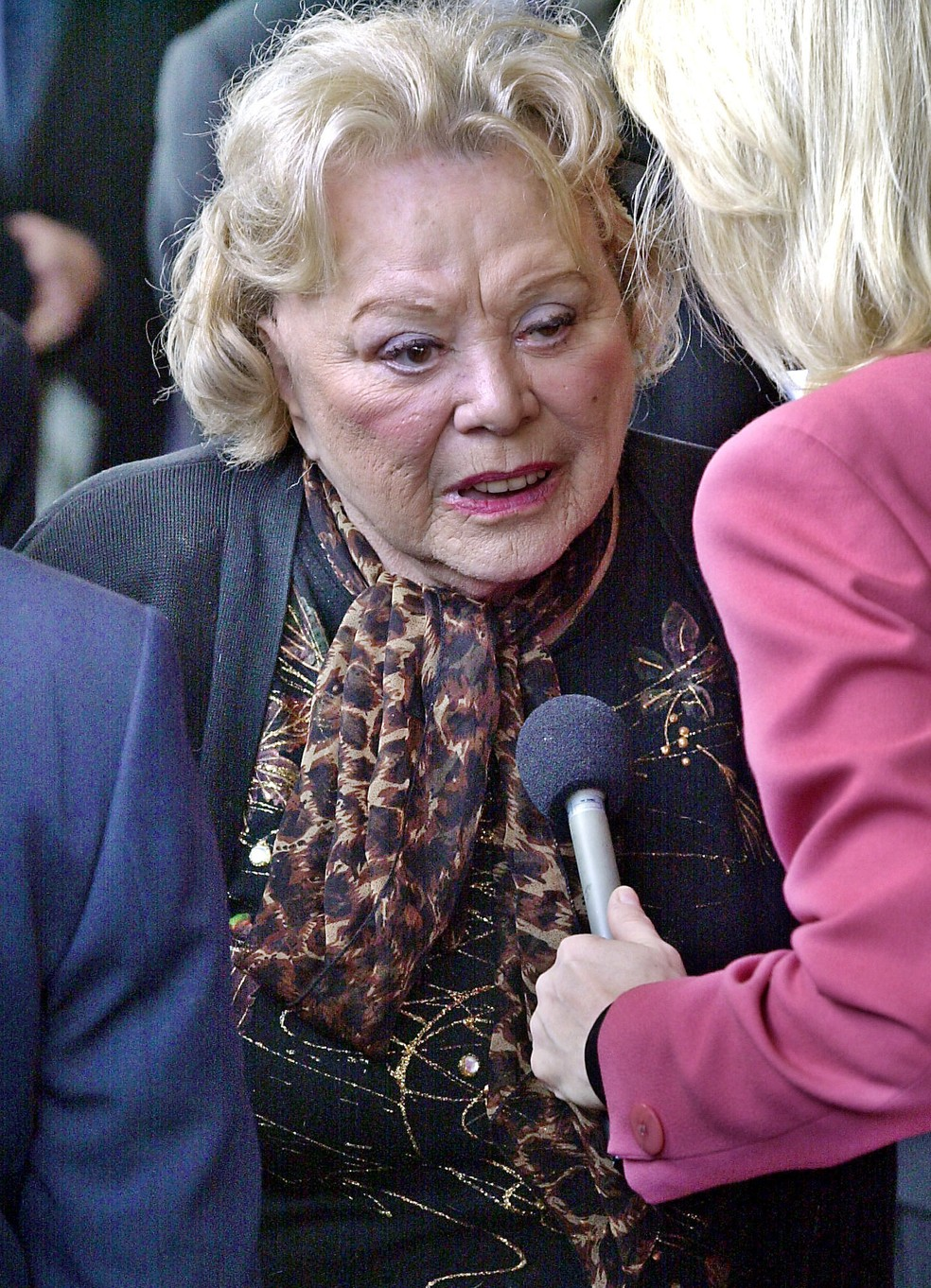 Rose Marie conversa com a imprensa durante evento em Los Angeles em 2002 (Foto: AP Photo/Nick Ut, File)