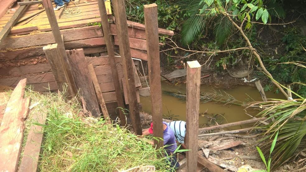 Os materiais utilizados na obra foram adquiridos através de coleta realizada entre os moradores (Foto: Paulo Nobre/Arquivo Pessoal)
