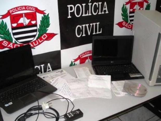 Material usado pelo grupo de Pirassununga foi apreendido pela polícia (Foto: Ademir Naressi)