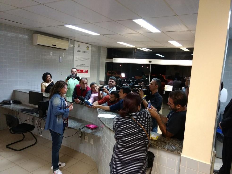 Roberta Miranda não conseguiu chegar na vila onde se apresentaria e registrou o imprevisto no 5º Distrito Policial, em Boa Vista (Foto: Arquivo pessoal)