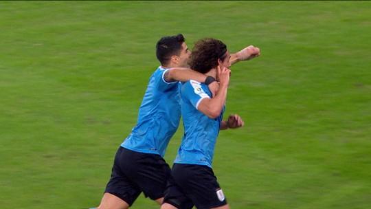 """Godín comemora liderança do Grupo C, mas faz alerta: """"Agora começa outro torneio"""""""