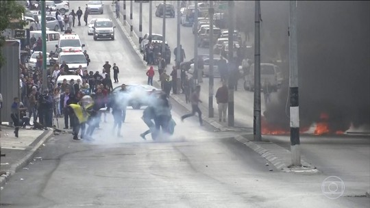 Movimentos palestinos convocam 'dia de fúria' após decisão de Trump; palestinos morrem em protesto