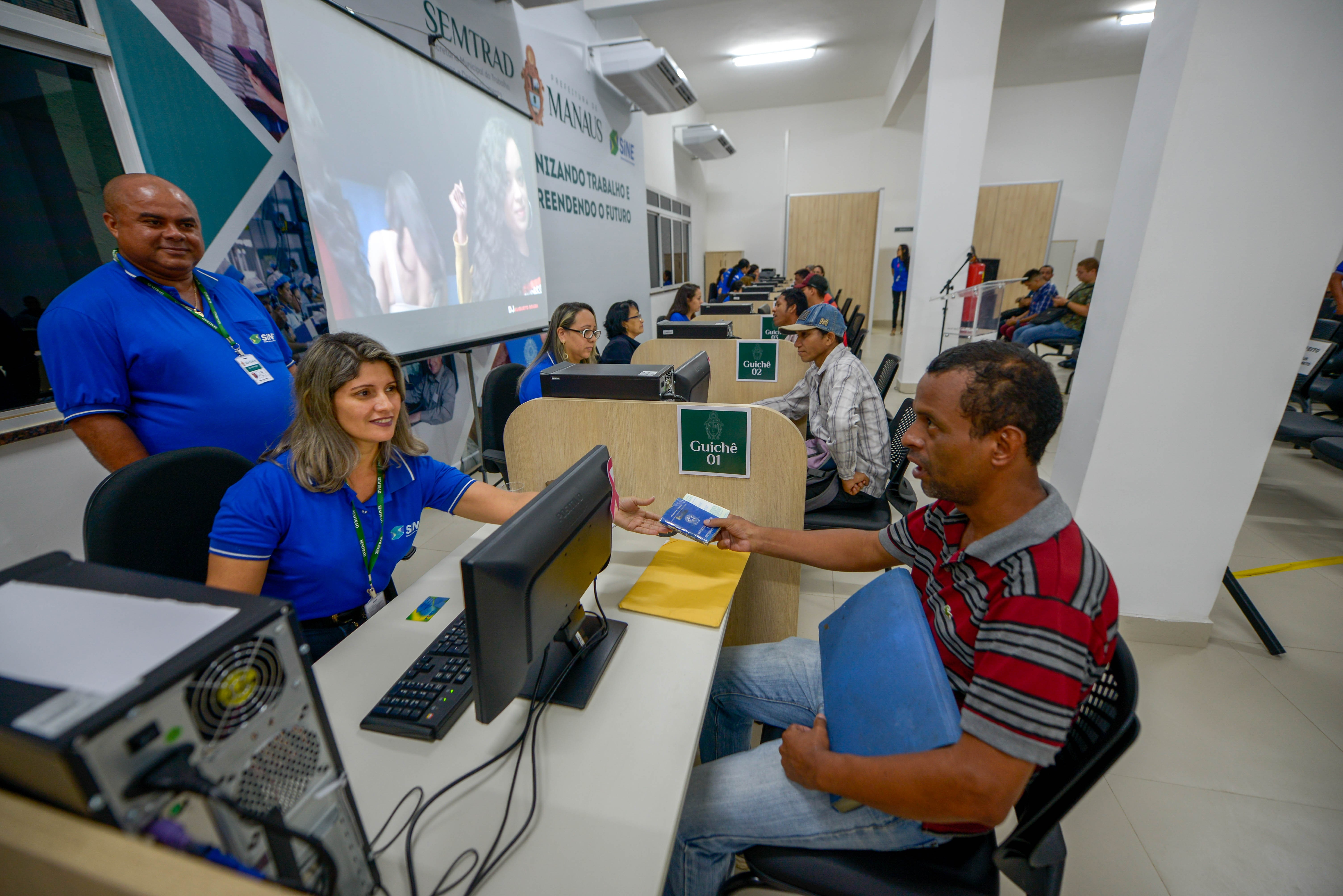 Sine Manaus oferta 61 vagas de emprego nesta sexta-feira (23) - Notícias - Plantão Diário