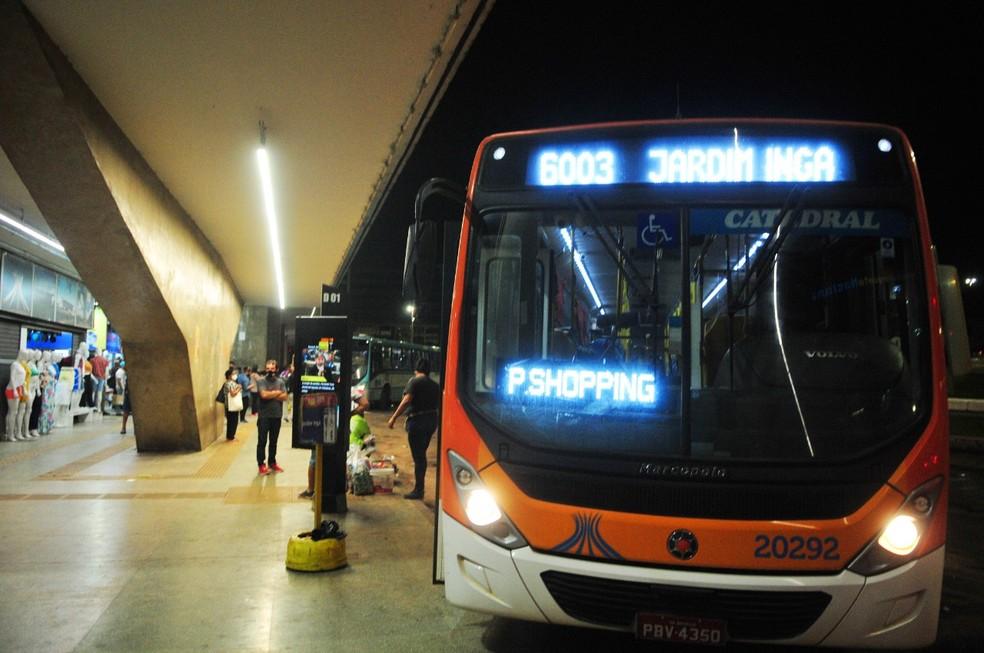 Ônibus que faz ligação entre o Distrito Federal e o Entorno do DF, em imagem de arquivo — Foto: Joel Rodrigues/ Agência Brasília