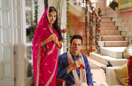 Em 'Caminho das Índias', novela de Gloria Perez exibida em 2009, ela foi Chanti. Na foto ela aparece com o ator Daniel Trindade João Miguel Júnior/TV Globo