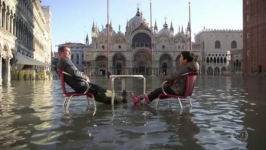 Com inundação e previsão de chuva, Itália declara estado de emergência em Veneza