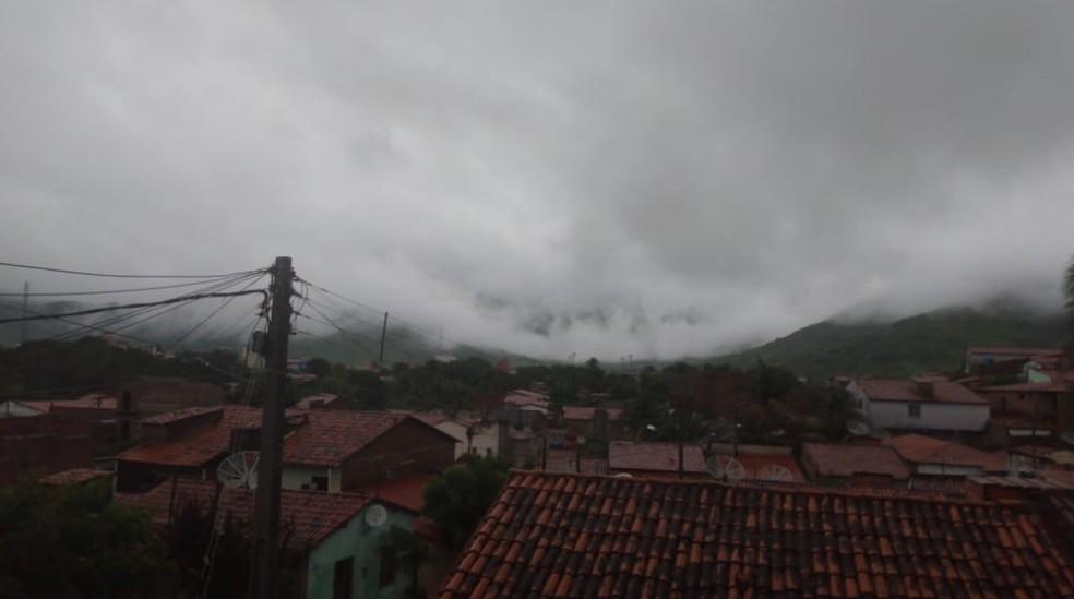 Chuva em Itapipoca na Região Norte do Estado.  — Foto: Ana Beatriz/Arquivo Pessoal