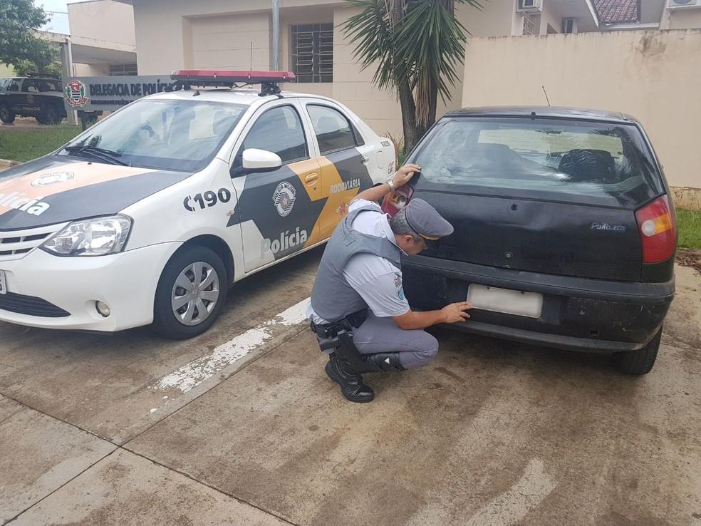 Placa do carro apreendido em Rancharia estava adulterada (Foto: Cedida/Polícia Militar Rodoviária)