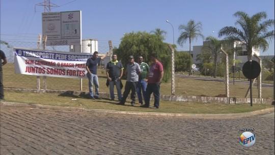 Regiões de Ribeirão Preto, Franca e Bebedouro têm 4º dia de protestos de caminhoneiros