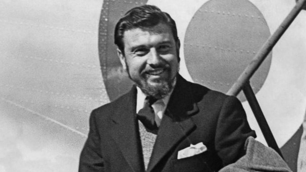 Blake em 1953, após retornar da Coreia; ele foi saudado como herói — Foto: Getty Images via BBC