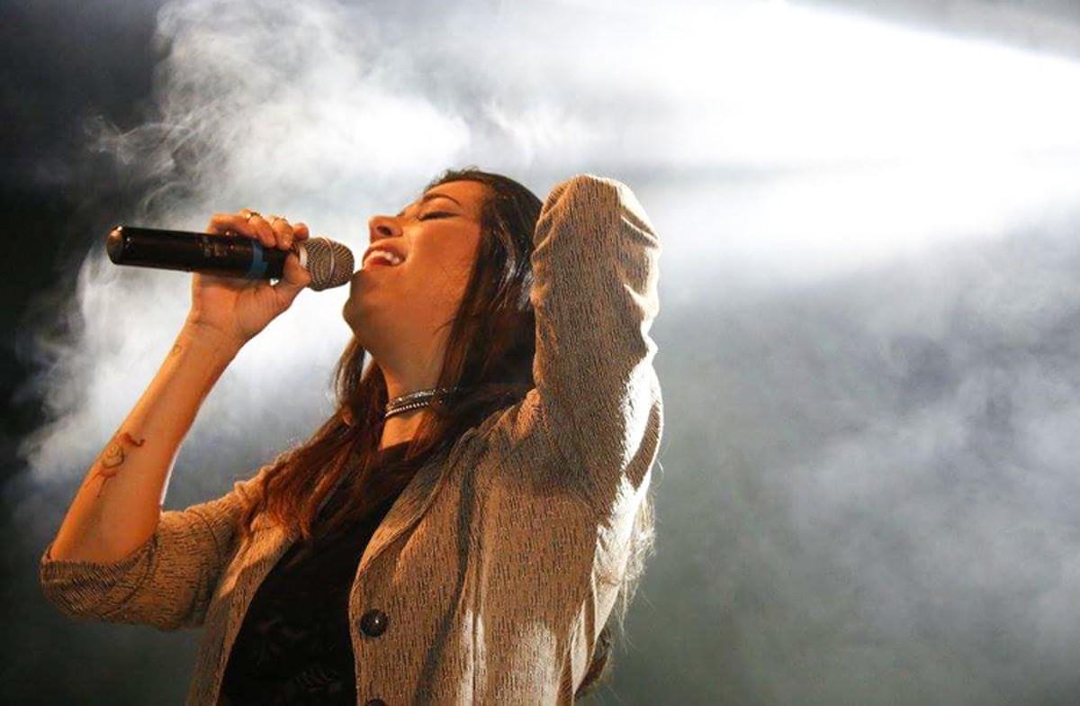 Festa de réveillon em Campos, RJ, terá show de Larice Barreto