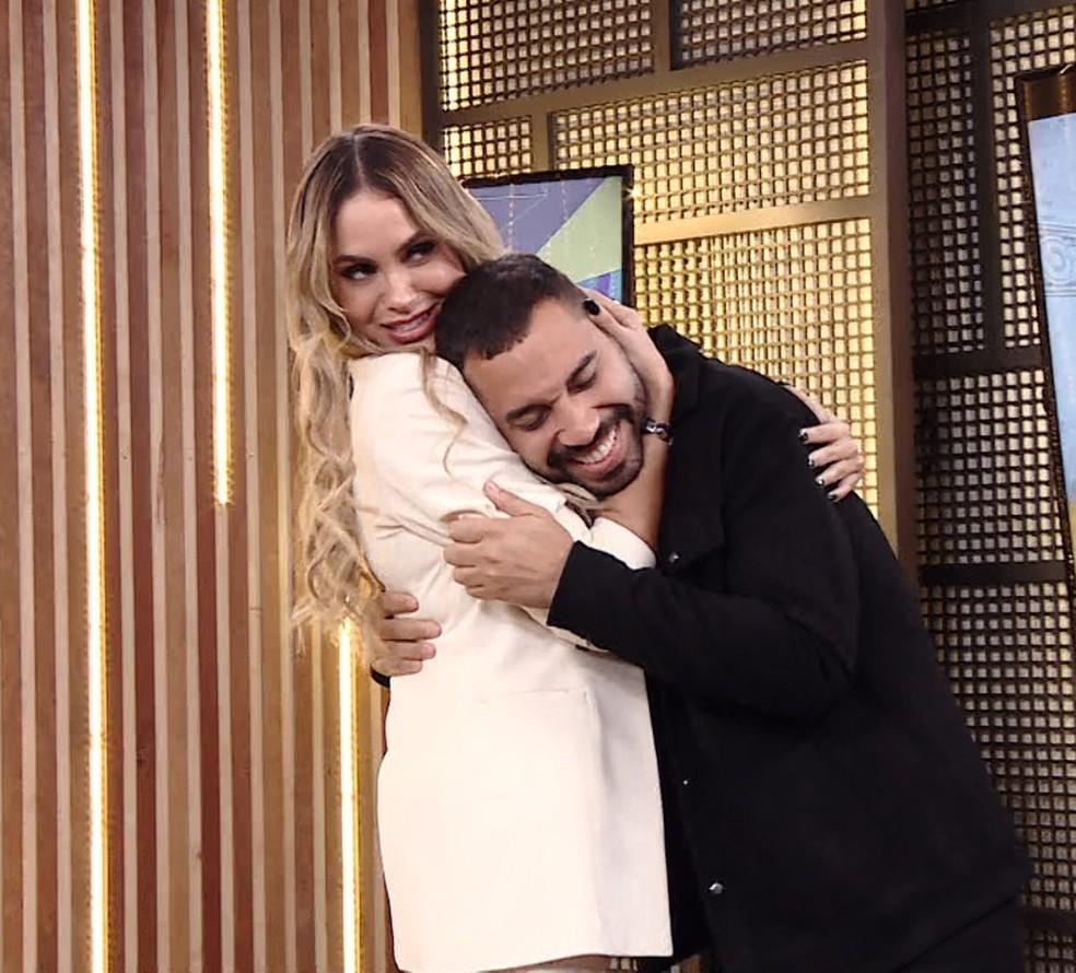 Prêmio #RedeBBB 2021: Gilberto e Sarah venceram a categoria 'Melhor Feat' — Foto: Gshow