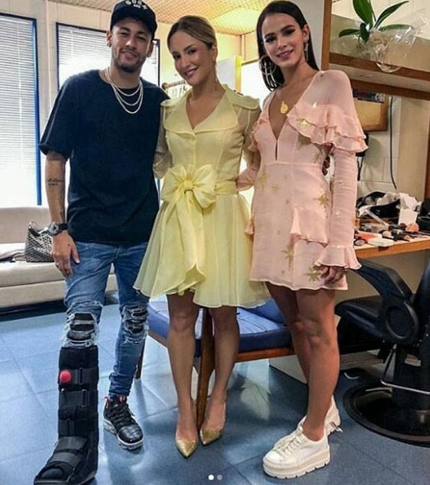 Neymar e Bruna Marquezine com Claudia Leitte (Foto: Reprodução Instagram)