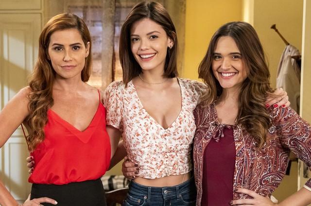 Deborah Secco, Vitoria Strada e Juliana Paiva protagonizam 'Salve-se quem puder' (Foto: Divulgação)