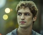 Gabriel Leone em 'DOM' | Amazon