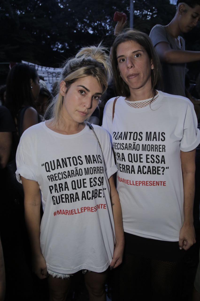 Fernanda Paes Leme durante ato no MASP (Foto: Ricardo Toscani)