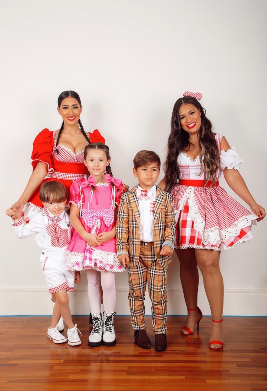 Simaria e Simone com os filhos (Foto: Conrado Carvalho/Divulgação )