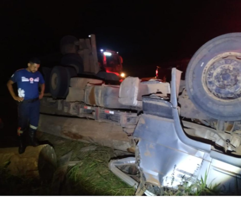 Acidente ocorreu na noite dessa quinta-feira (15), em Xapuri — Foto: Arquivo/Corpo de Bombeiros