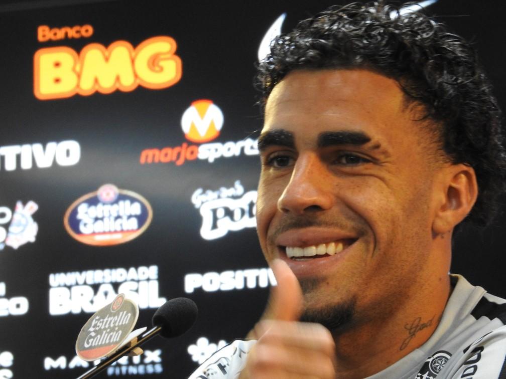 Gabriel, volante do Corinthians, em entrevista coletiva — Foto: Marcelo Braga