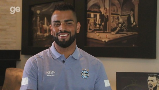 Maicon abre casa, fala sobre identificação com o Grêmio e revela plano de ser dirigente