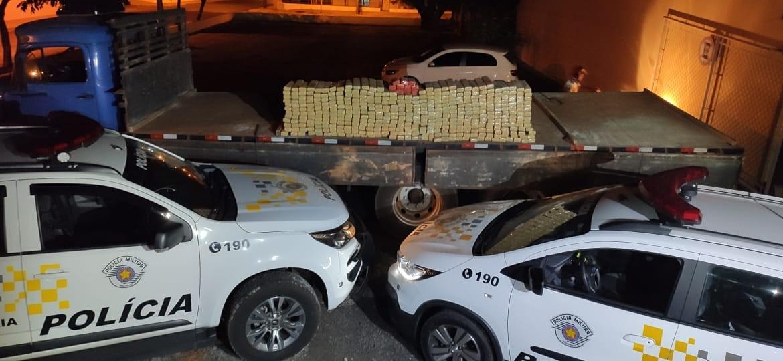 Carga de maconha é apreendida em caminhão abordado na Rodovia Assis Chateaubriand em Martinópolis