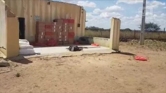 Homem detido transportando R$ 82 mil é preso com 147 caixas de cigarros contrabandeados