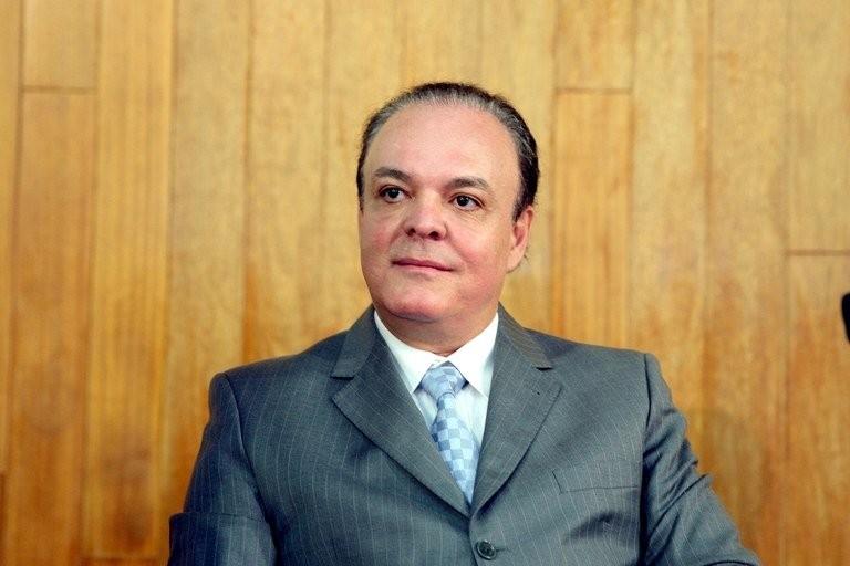 Câmara de Uberlândia autoriza licença para vice-prefeito se ausentar do país por mais de 2 meses