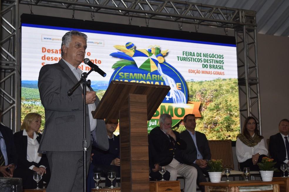 O prefeito de Capitólio (MG), José Eduardo Terra Vallory, apresentou a experiência exitosa de gestão do turismo no município, alicerçada em ações de crescimento sustentável — Foto: Divulgação
