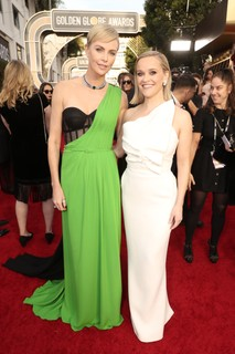 Charlize Theron, de Dior e Reese Witherspoon de Roland Mouret