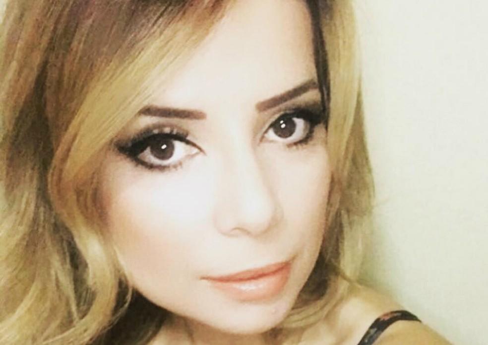 Natiare Azevedo é considerada cover oficial da cantora Sandy — Foto: Arquivo Pessoal