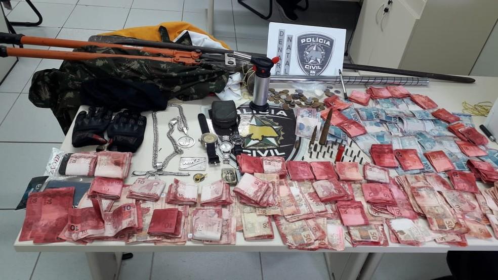 Material foi apreendido pela Polícia Civil em operação na Zona Leste de Natal — Foto: Julianne Barreto/Inter TV Cabugi
