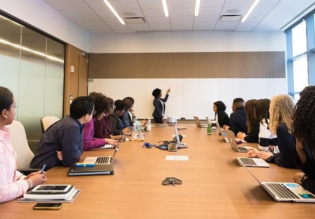 reunião - diversidade - mulheres - conselho (Foto: Pexels)