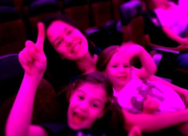 Roberta e as filhas (Foto: Acervo pessoal)