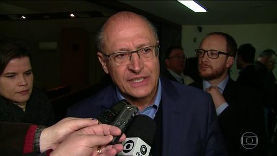 Alckmin faz campanha na serra gaúcha e defende investimentos em infraestrutura para criar empregos