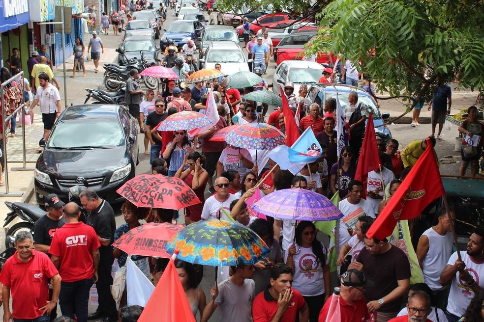 Ato reuniu cerca de 100 pessoas na Praça da Integração do Parque Piauí. — Foto: Daniel Pessoa/Arquivo pessoal