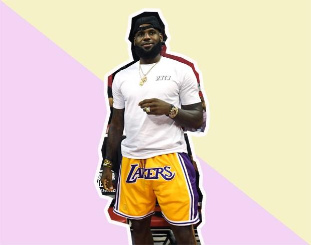 LeBron James usando os shorts feitos por Don C para a NBA. Quer um? Não vai rolar (Foto: Getty Images/GQ Brasil)