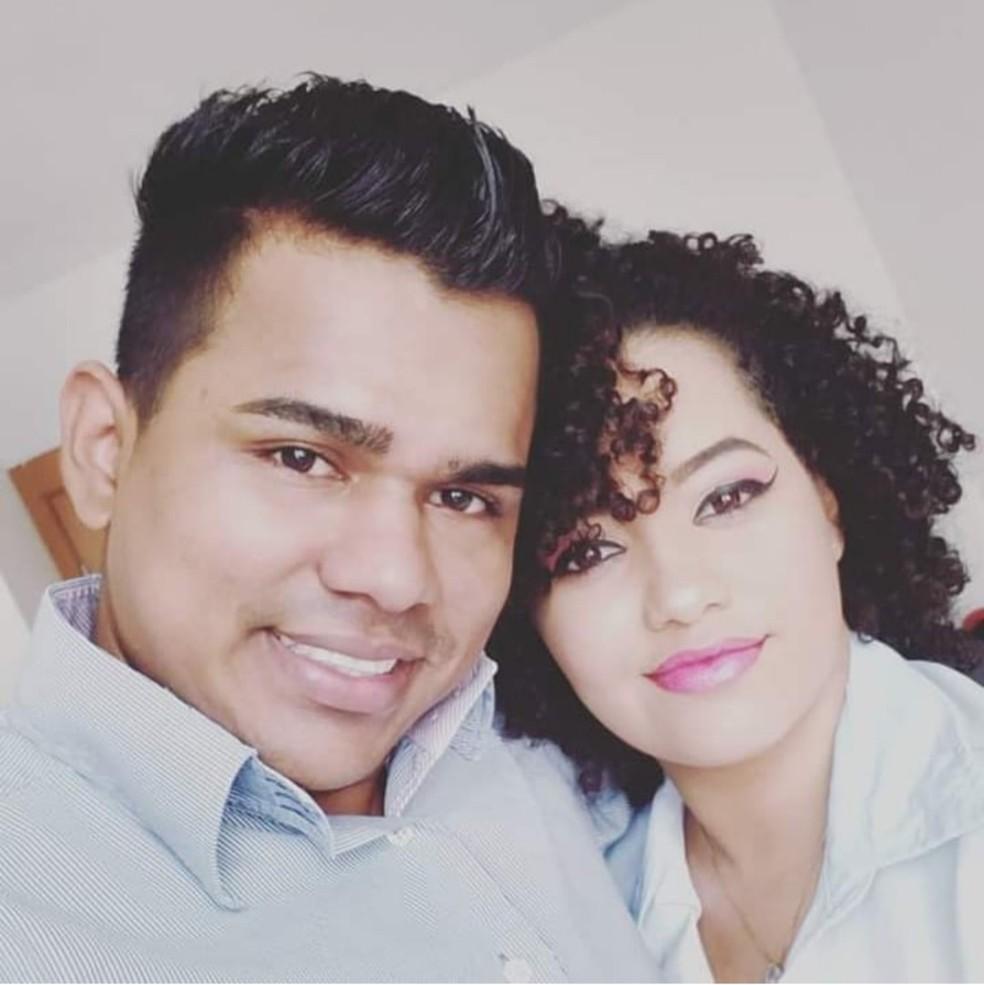 Raony de Sousa se entregou à polícia suspeito de matar Aline Gomes Sousa, em Cuiabá — Foto: Facebook/Reprodução
