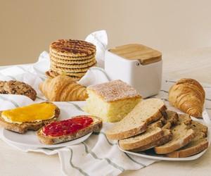Cestas de café da manhã e pães no delivery: veja onde pedir