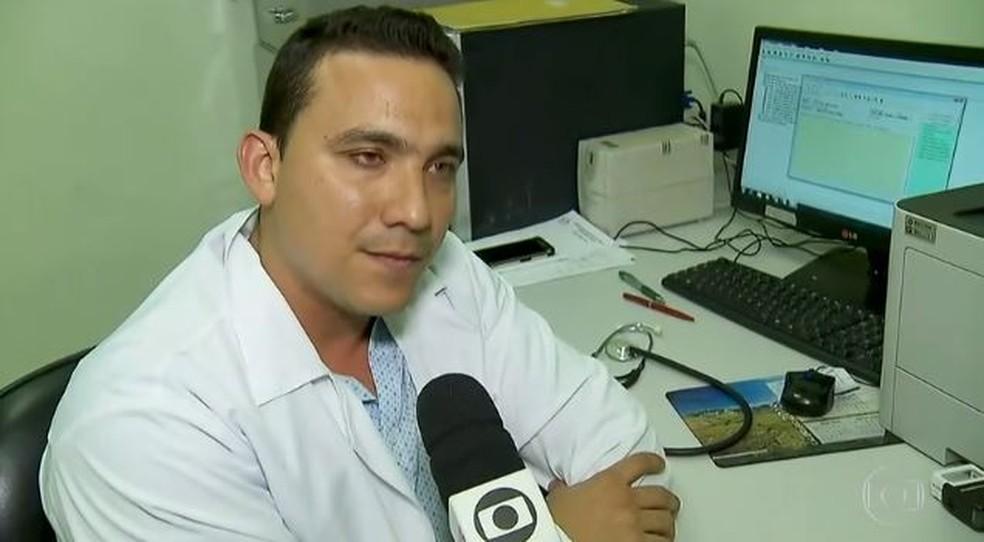 Yeyson Iglesias, médico cubano que atua em Osasco (SP) — Foto: Reprodução/TV Globo
