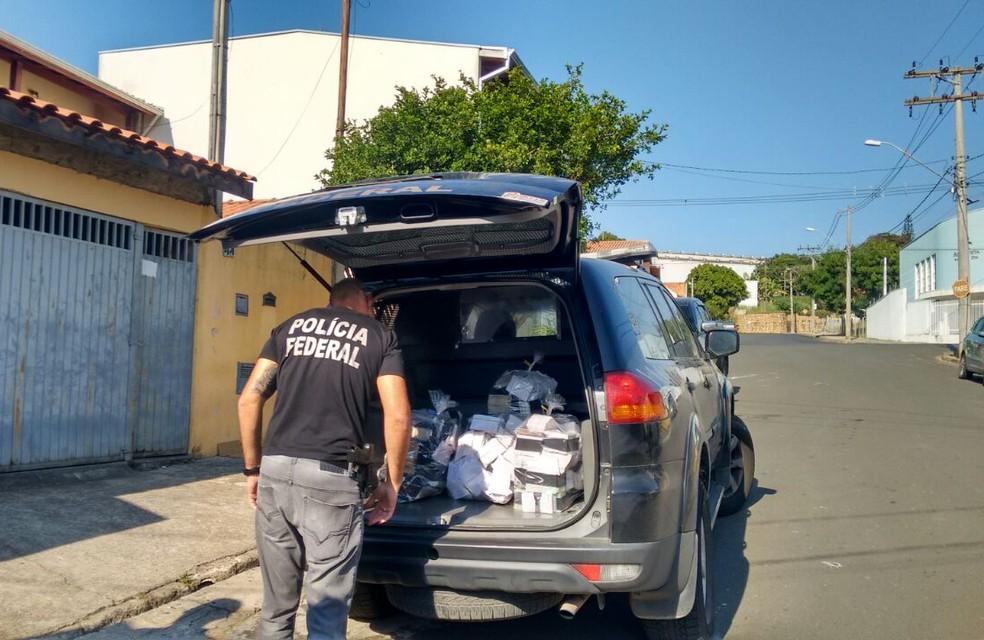 Polícia Federal fez operação em Salto nesta terça-feira (Foto: Priscila Mota/TV TEM )
