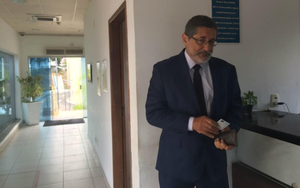 Gabrielli vai depôs como testemunha de defesa de ex-tesoureiro do PT (Foto: Juliana Almirante/G1 Bahia)
