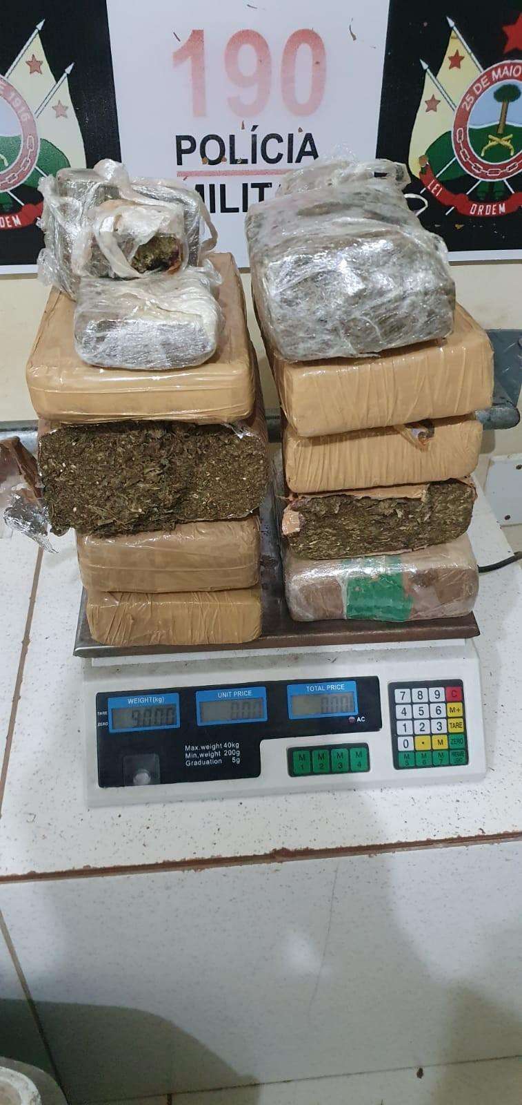 Polícia apreende 9 quilos de maconha durante reunião em casa no Acre