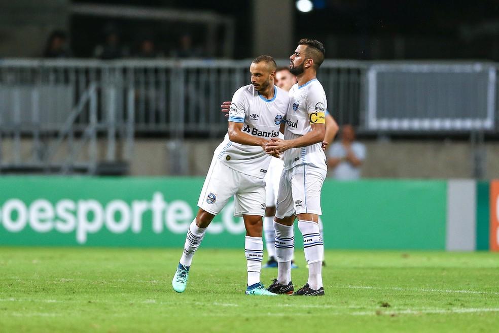 Thaciano pode substituir capitão Maicon (Foto: Lucas Uebel / Grêmio, DVG)