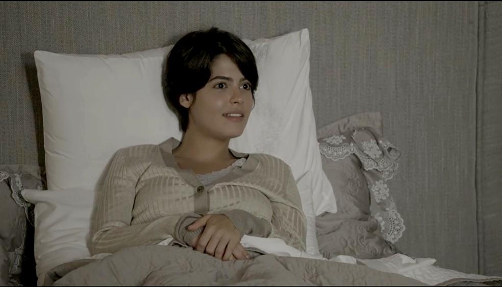 Adriana propõe que Patrick more com ela (Foto: TV Globo)
