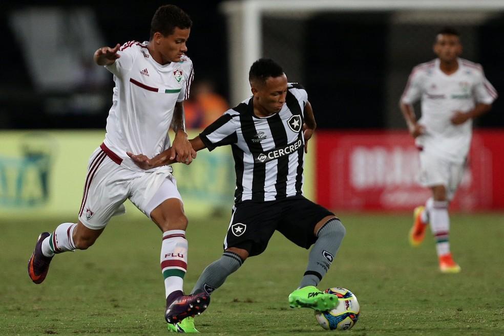 Lucas Campos será outra novidade da base no ataque profissional em 2018 (Foto: Botafogo)