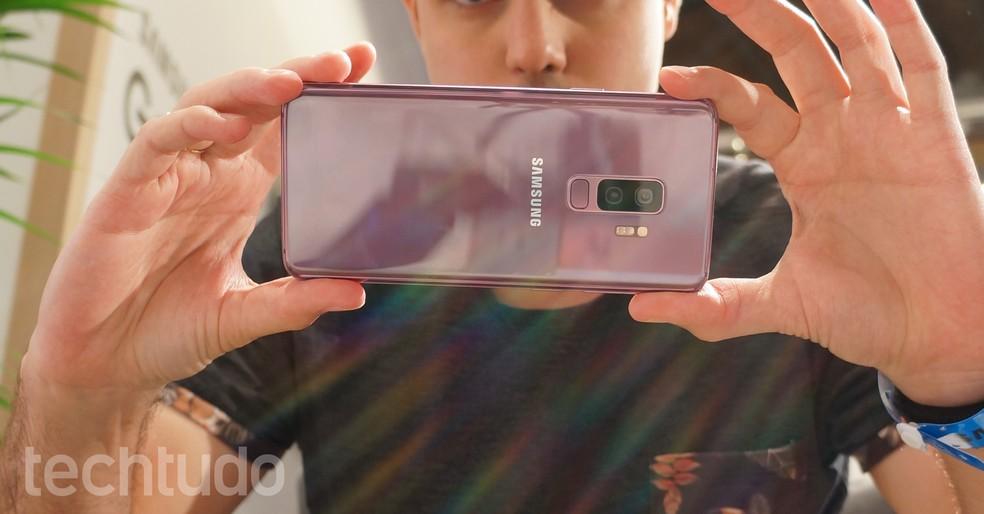 Galaxy S9 Plus, com câmera dupla, teve avalicação melhor do que Galaxy S9 (Foto: Thássius Veloso/TechTudo)