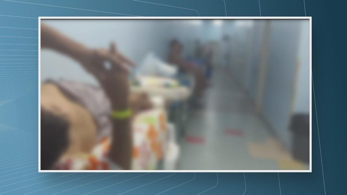 Vídeo mostra pacientes internados nos corredores e até baratas perto de leitos no maior hospital de RR